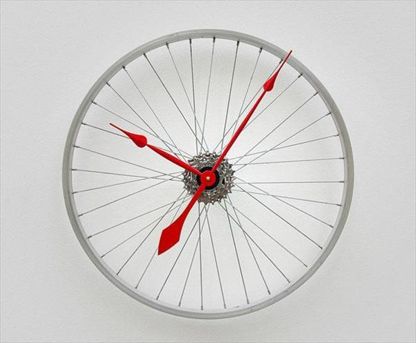 Turn old bike wheel into clock