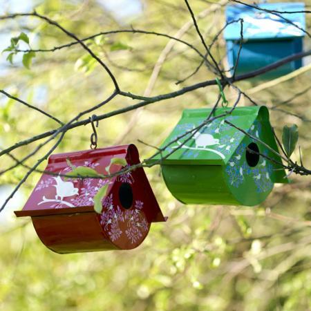 Using Birdhouses To Decorating Garden Or Backyard