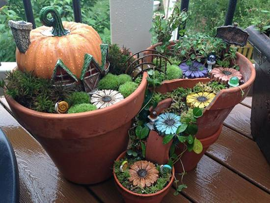 Beautiful Fairy Miniature Garden in Broken Flower Pots