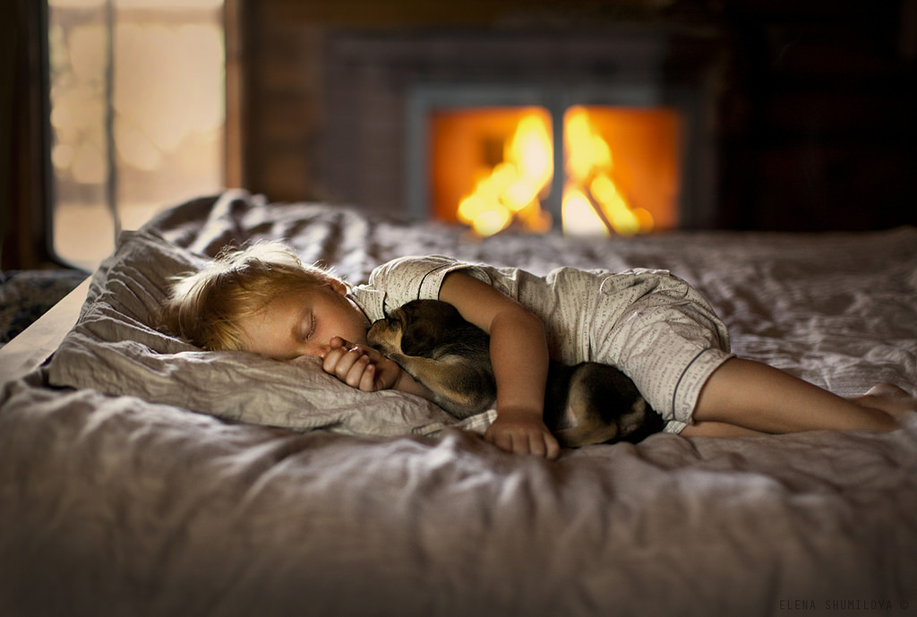 new-photo-series-of-kids-with-their-pets-from-elena-shumilova-7