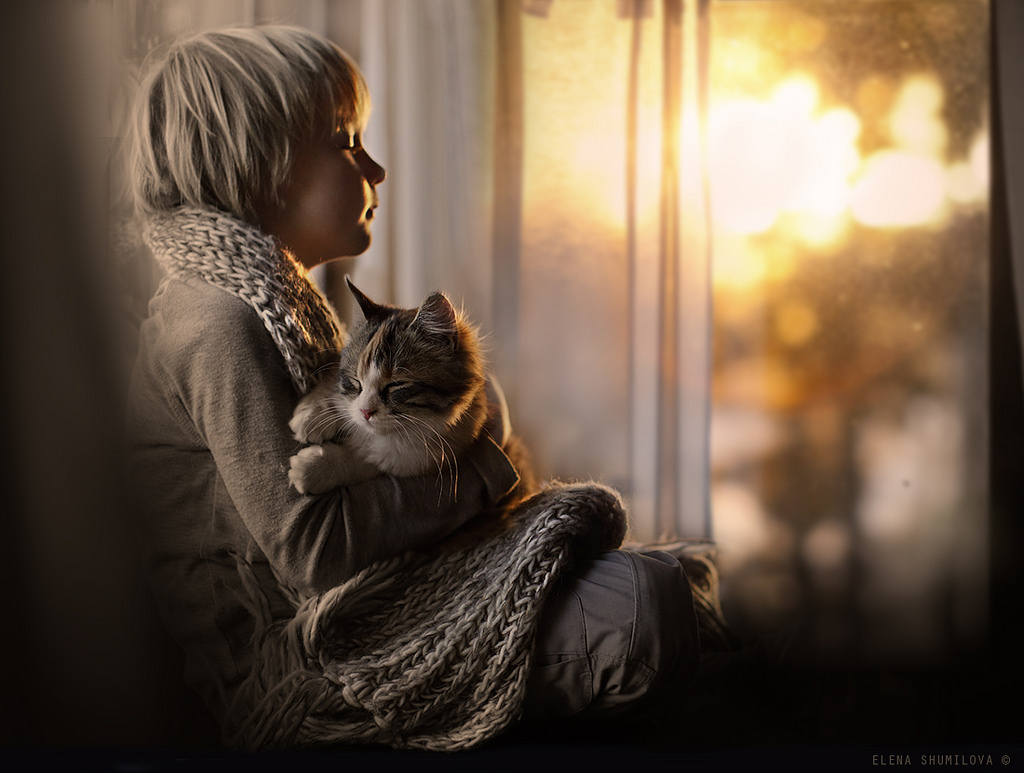 new-photo-series-of-kids-with-their-pets-from-elena-shumilova-8