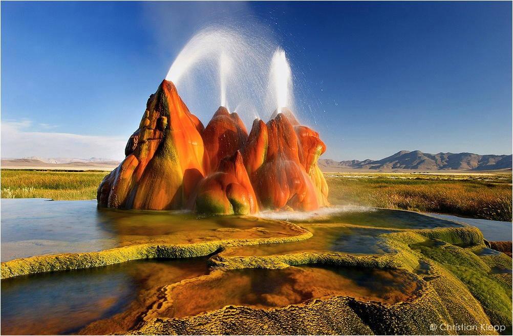 Geyser-landscape-in-Nevada