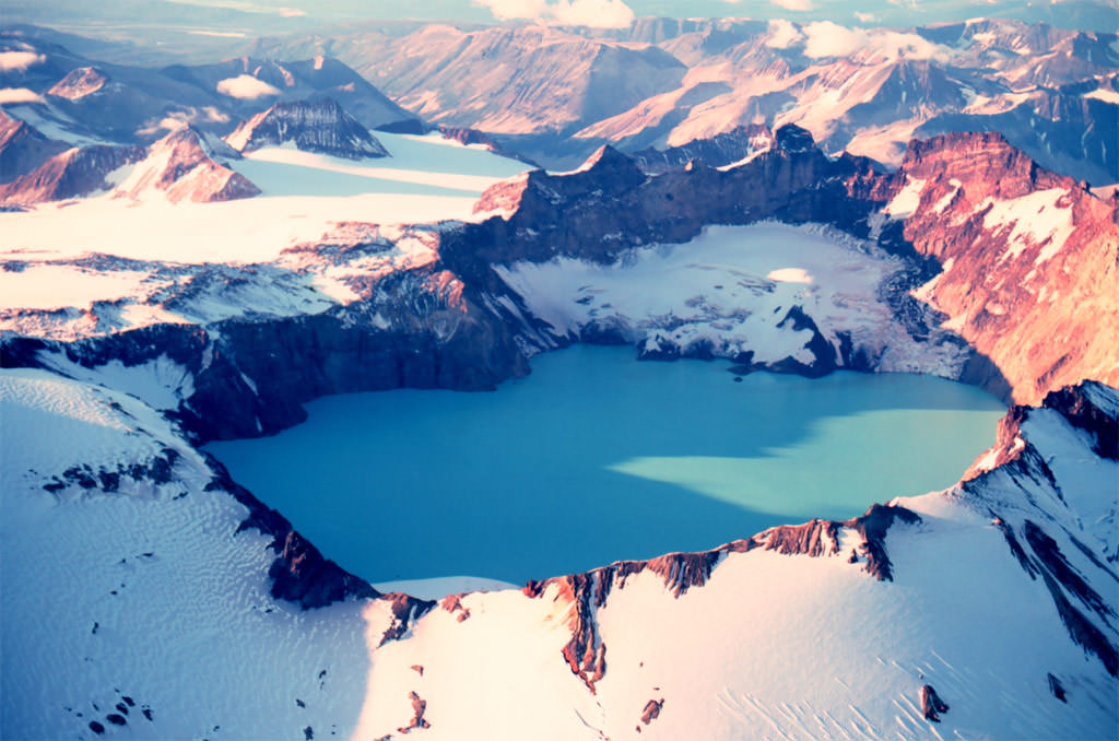 Crater-Lake-of-Mount-Katmai