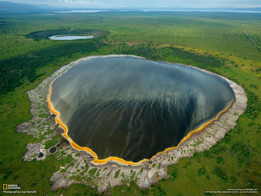 Crater-Lakes-in-the-Albertine-Rift