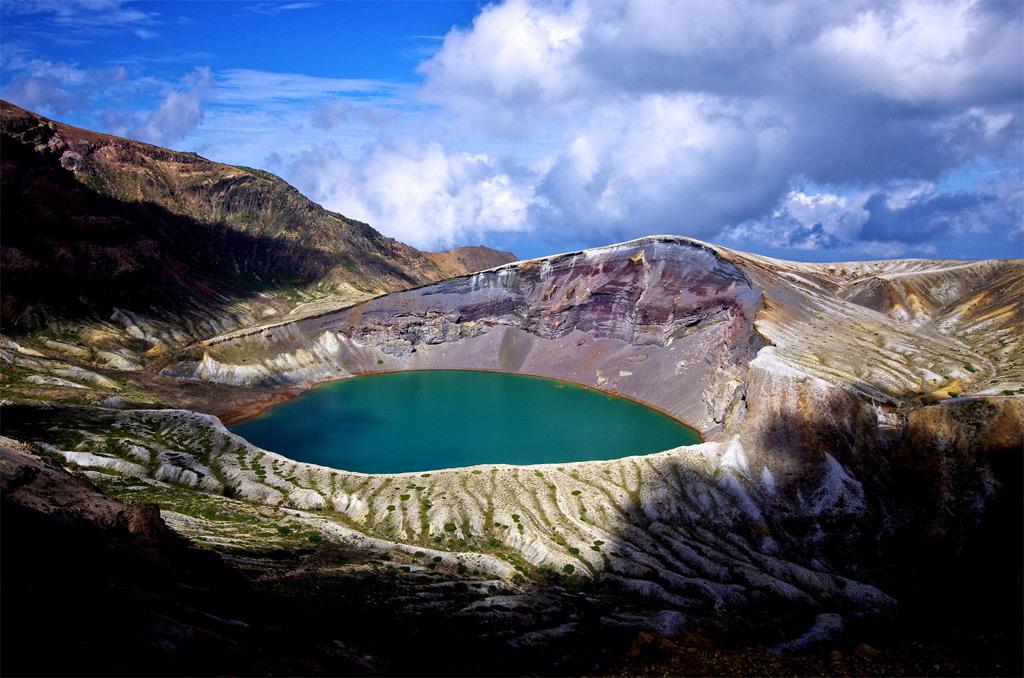 Okama-Crater-Lake