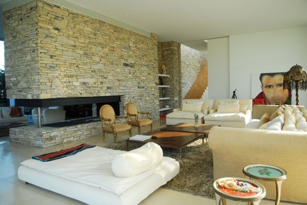 living-room-stone-wall