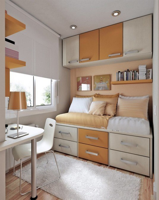 small-bedroom-orange