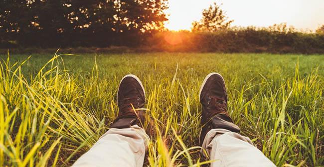 feet and sunshine