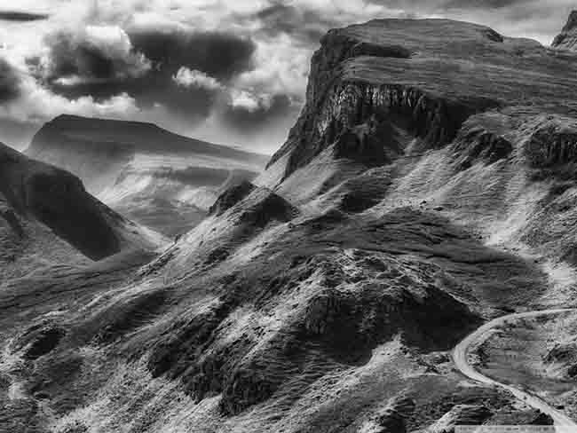 quiraing_black_and_white-wallpaper-