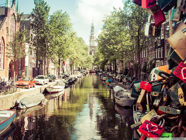 summer_in_amsterdam-wallpaper-