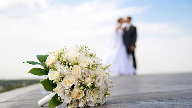 wedding_bouquet_groom_bride